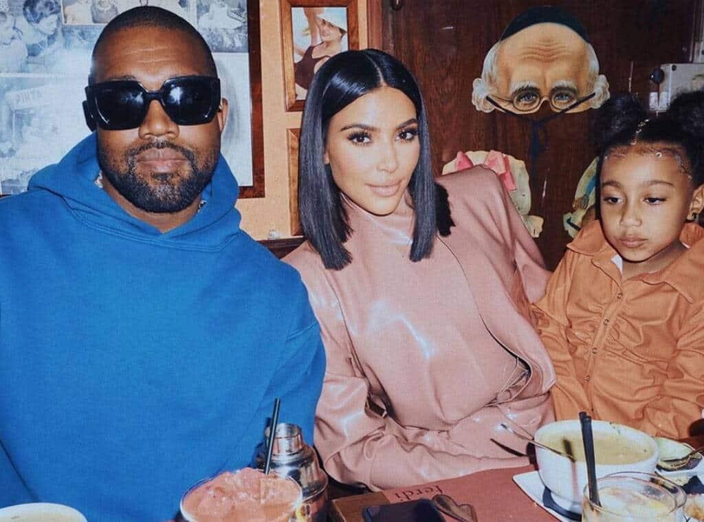 Kim Kardashia, Kanye West e North West (Reprodução)