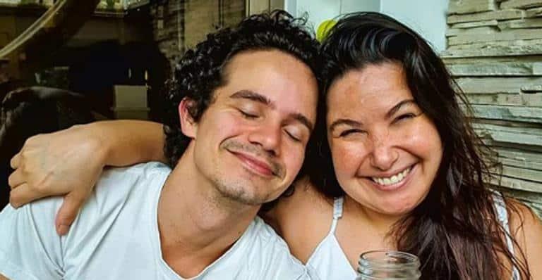 Mariana Xavier e namorado