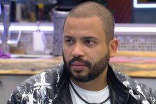 Projota no BBB21; cantor se recusou a comer até lasanha no reality (Foto: Reprodução/TV Globo)