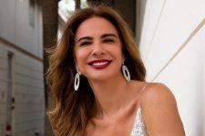 Luciana Gimenez ostentou corpão durante momento na praia (Foto: Reprodução/Instagram)