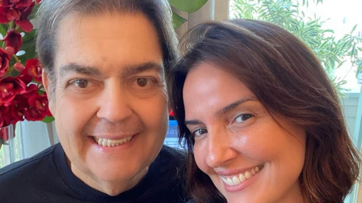 Fausto Silva e a mulher, Luciana Cardoso; apresentador apareceu pela primeira vez após sair da Globo (Foto: Reprodução/Instagram)
