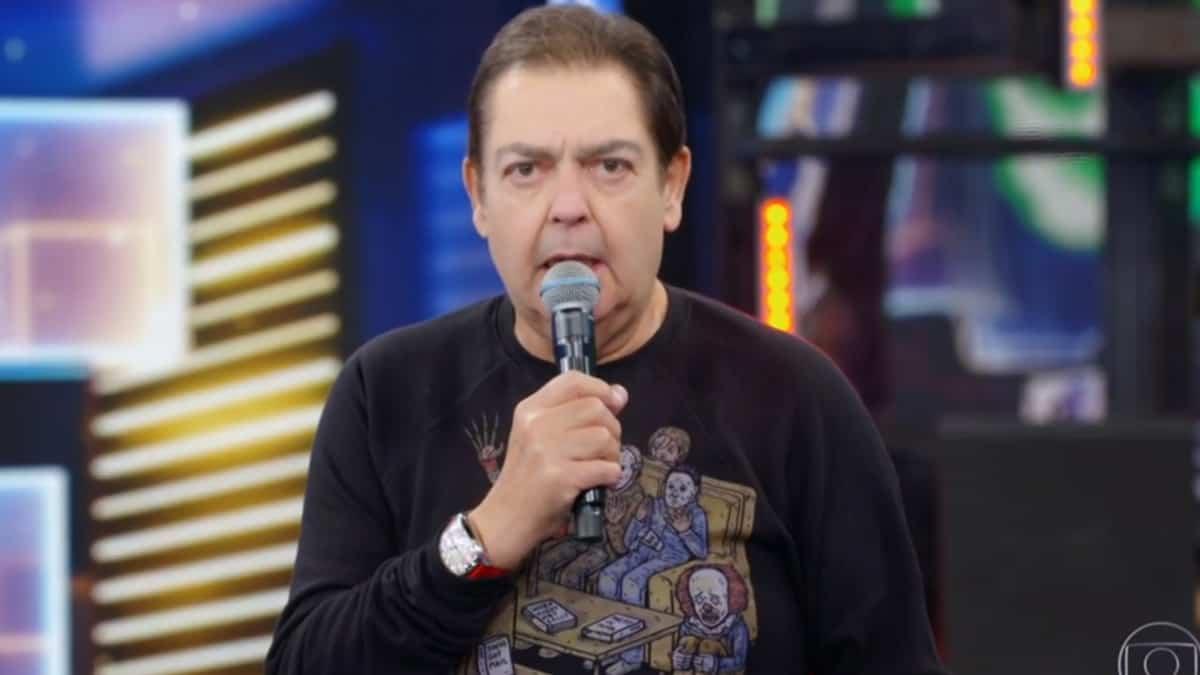 Fausto Silva no comando do Domingão do Faustão; apresentador fez aparição rara (Foto: Reprodução/TV Globo)