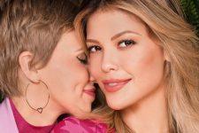 Vitória Strada e Marcella Rica sofreram ataque homofóbico após aparecerem aos beijos na web (Foto: Reprodução/Instagram)