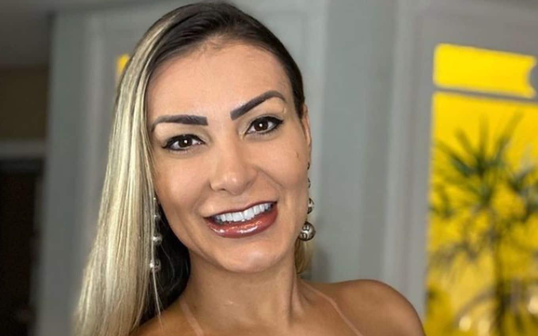 Andressa Urach revela o nome do filho e diz que queria homenagear Bolsonaro