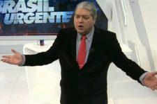 Datena se irritou com a equipe do Brasil Urgente e deu bronca ao vivo (Foto: Reprodução/Band)