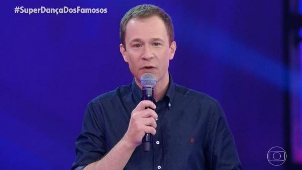 Tiago Leifert mandou recado para Faustão na Super Dança dos Famosos, mas sem citar nome (Foto: Reprodução/TV Globo)