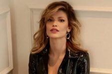 Vitória Strada mostrou sua elasticidade em clique sensual (Foto: Reprodução/Instagram)