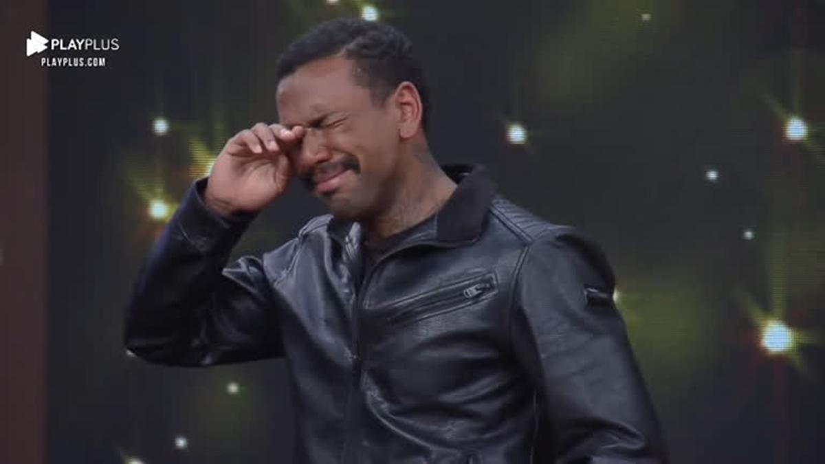 Nego do Borel chora em A Fazenda 13; equipe do cantor acusou racismo estrutural (Foto: Reprodução/Record)