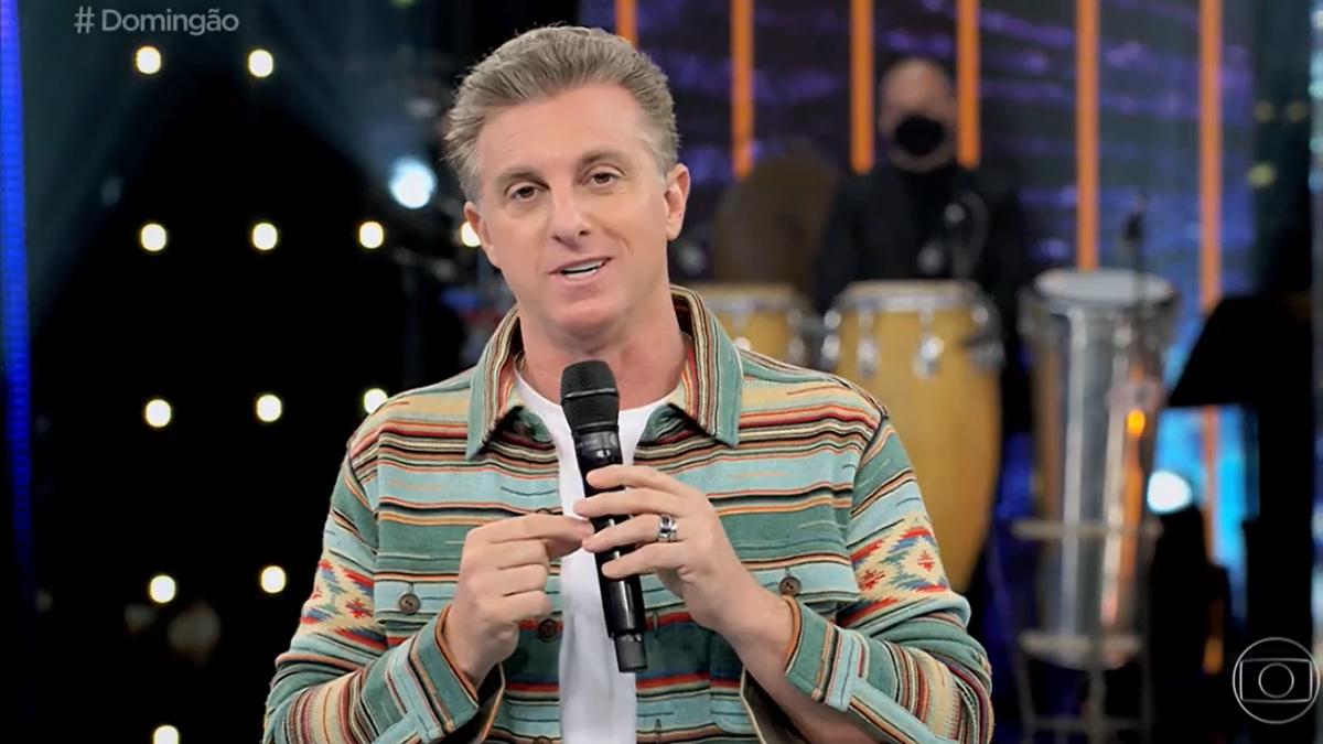 Luciano Huck ficou deslocado em atração sem assistencialismo no Domingão (Foto: Reprodução/TV Globo)