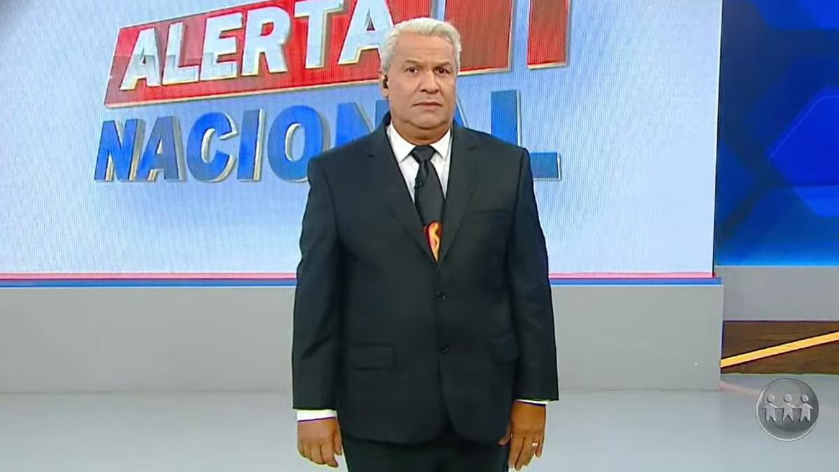 Sikêra Jr. saiu do ar após falha na RedeTV! durante o Alerta Nacional (Foto: Reprrodução/RedeTV!)