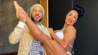 Gracyanne Barbosa e Belo juntos; influenciadora mostrou tatuagem íntima (Foto: Reprodução/Instagram)