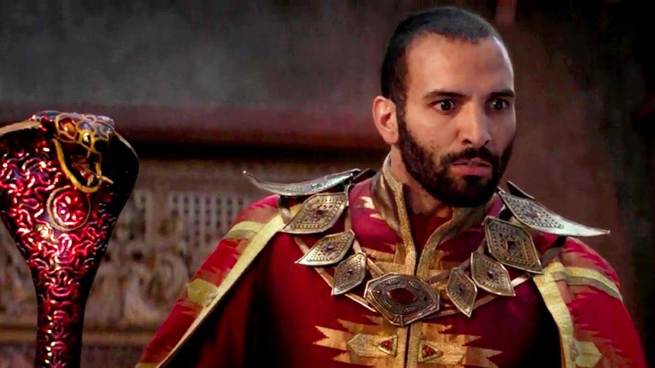 Jafar (Marwan Kenzari) em cena de Aladdin 2019