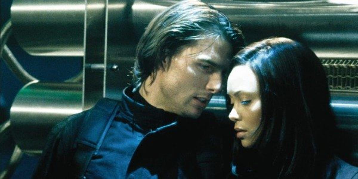 Tom Cruise e Thandie Newton em Missão: Impossível (Reprodução)
