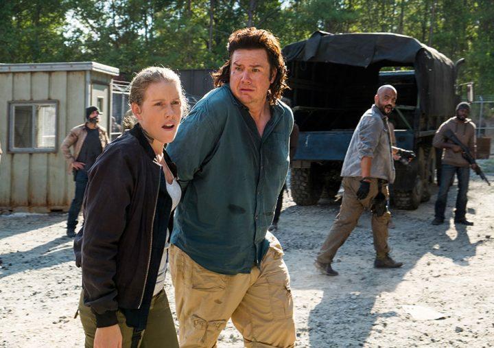 Laura (Lindsey Register) e Eugene (Josh McDermitt) em episódio de The Walking Dead