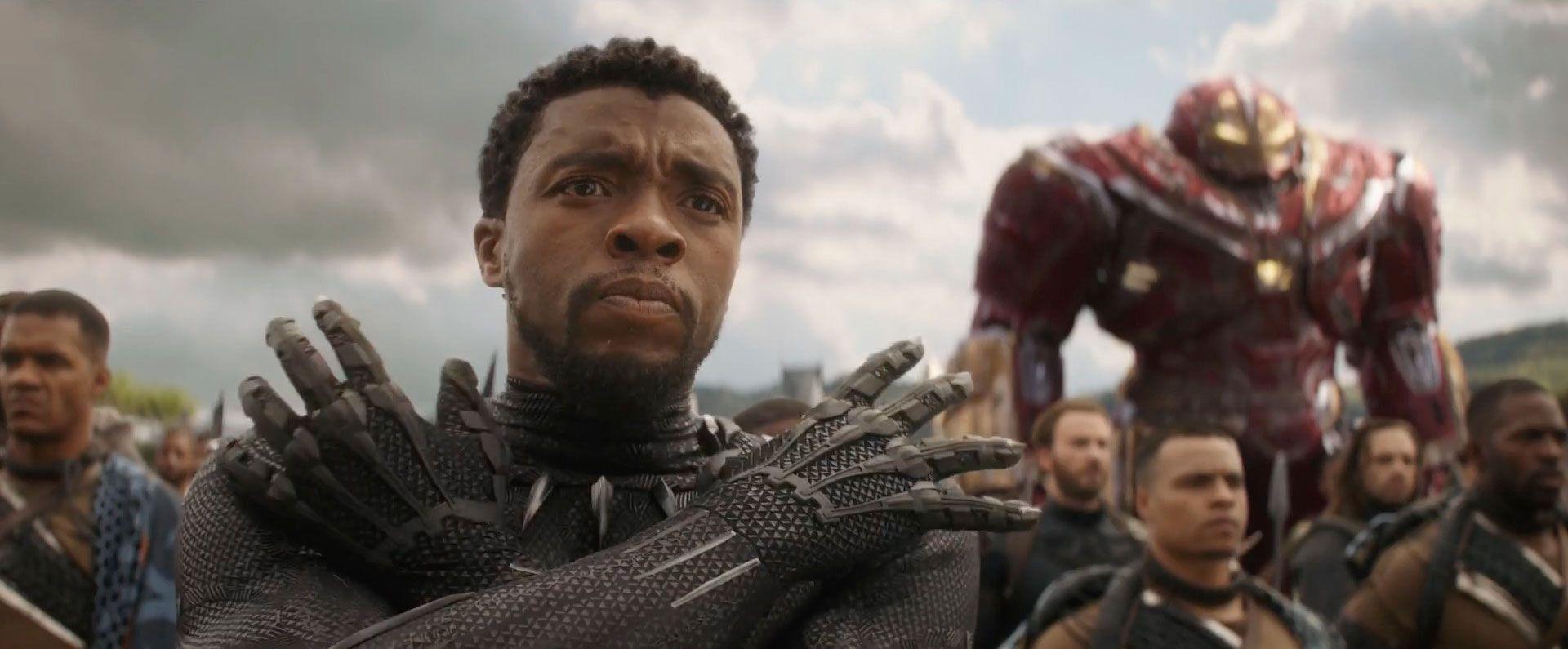 Chadwick Boseman como T'Challa em Pantera Negra (Divulgação)