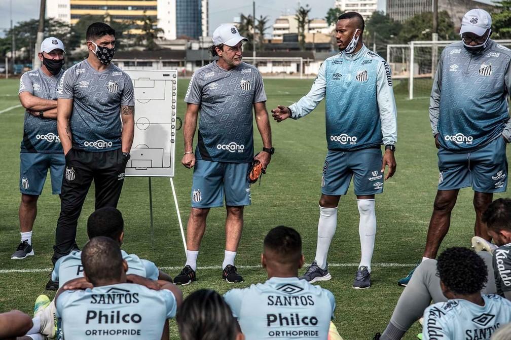Renato, Cuca, Copete e Serginho Chulapa em treino do Santos