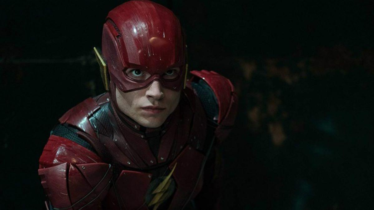 Ezra Miller como Flash (Reprodução / DC)
