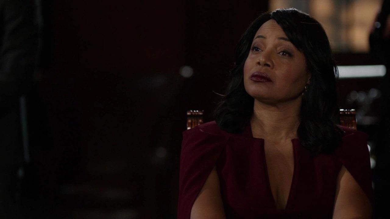 Lydia Cassamento (Gina Ravera) em Arrow