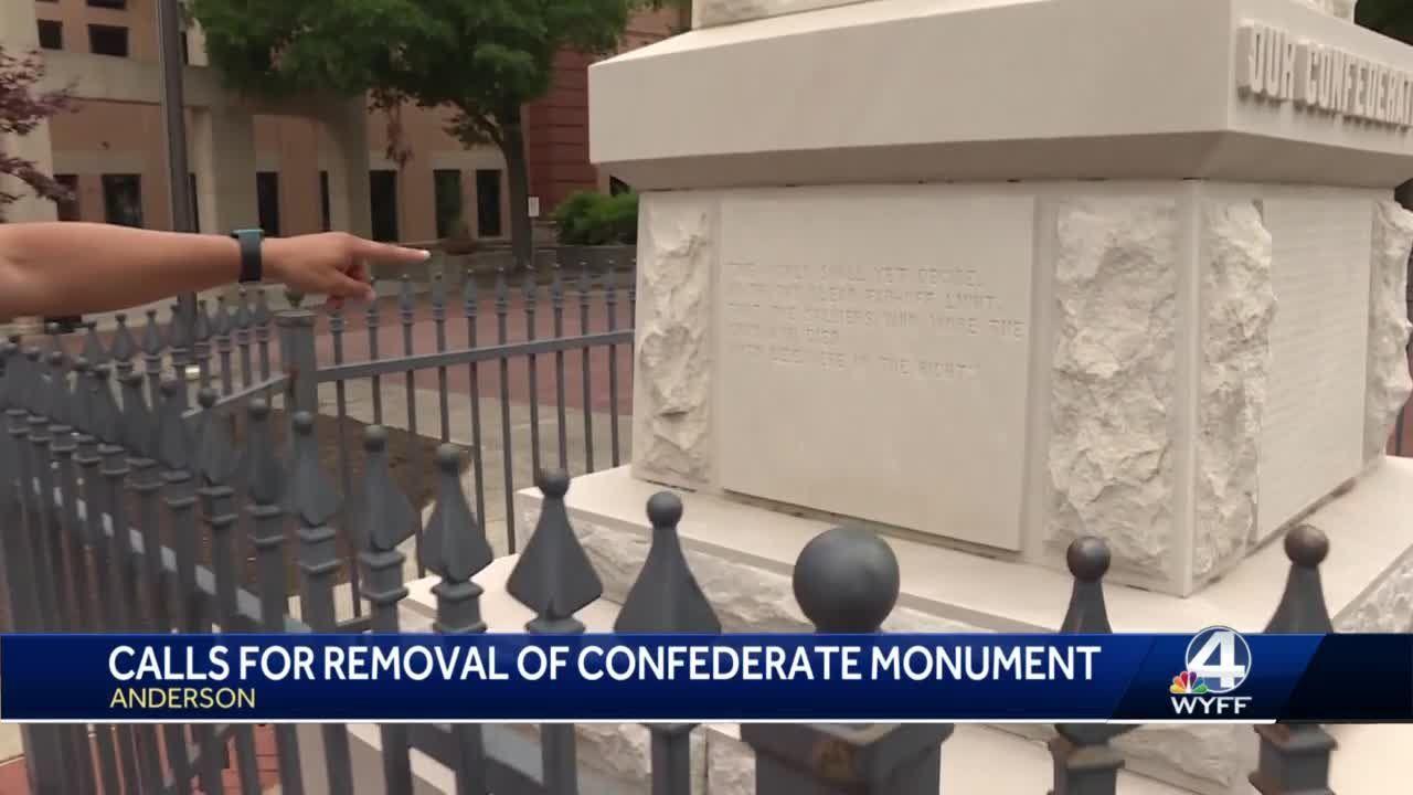 Moumento confederado na cidade de Anderson na Carolina do Sul