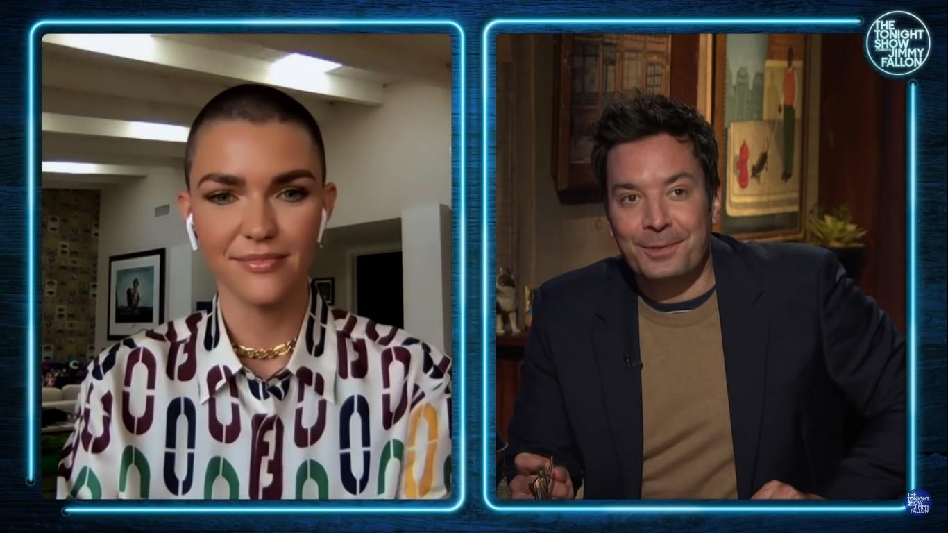 Ruby Rose em entrevista para o programa de Jimmy Fallon