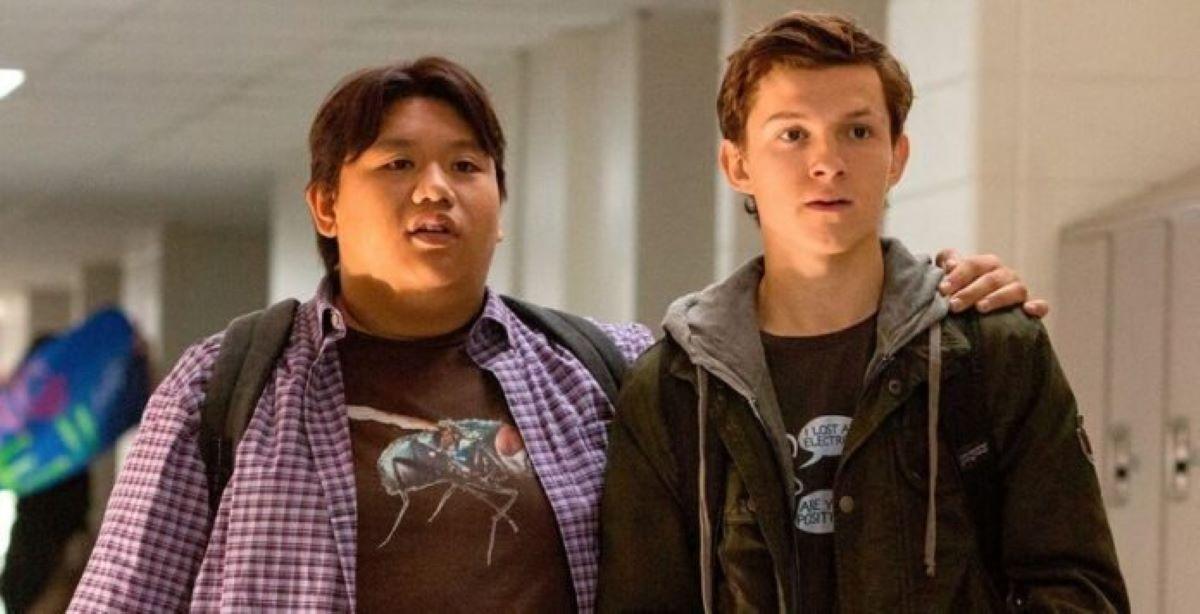 Jacob Batalon e Tom Holland em Homem-Aranha (Divulgação / Marvel)