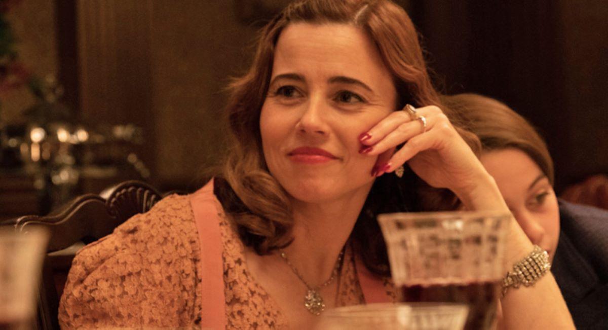 Linda Cardellini como Mae Capone no filme Capone (Foto: Reprodução)