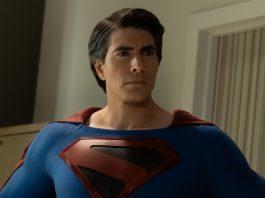 Clark Kent (Brandon Routh) no crossover de Crises nas Infinitas Terras (Divulgação/ The CW)