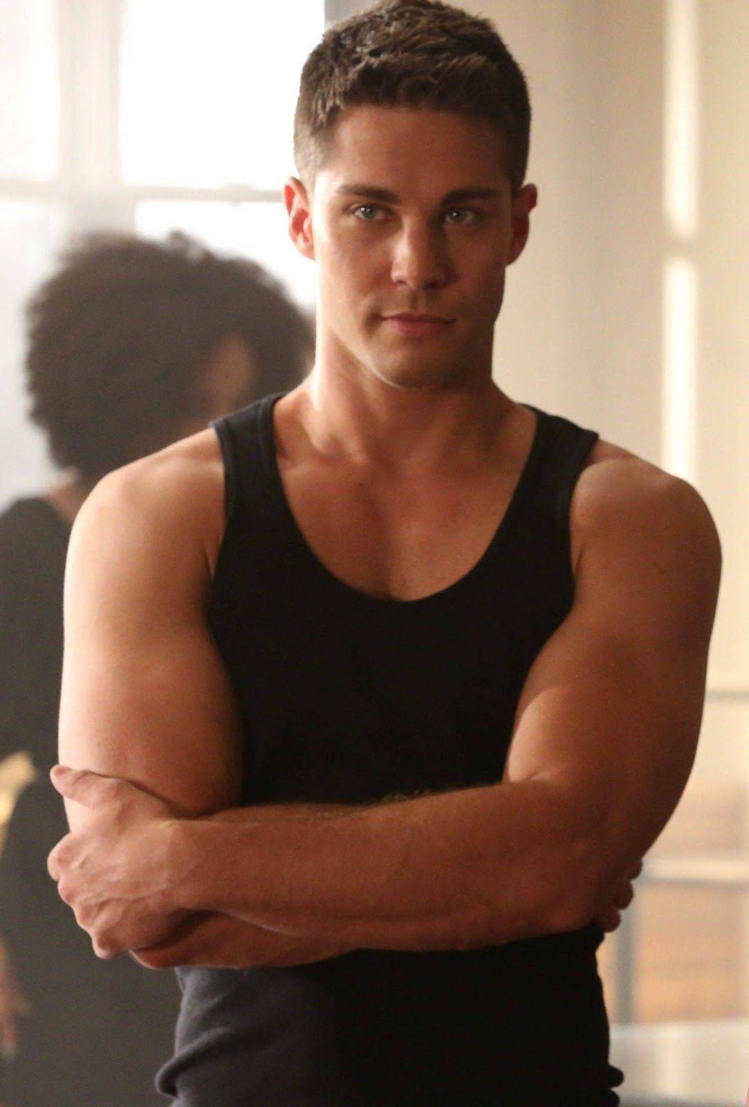 Dean Geyer em Glee