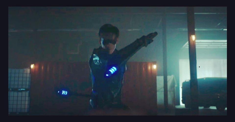 Dick Grayson como Asa Noturna na primeira temporada de Titãs