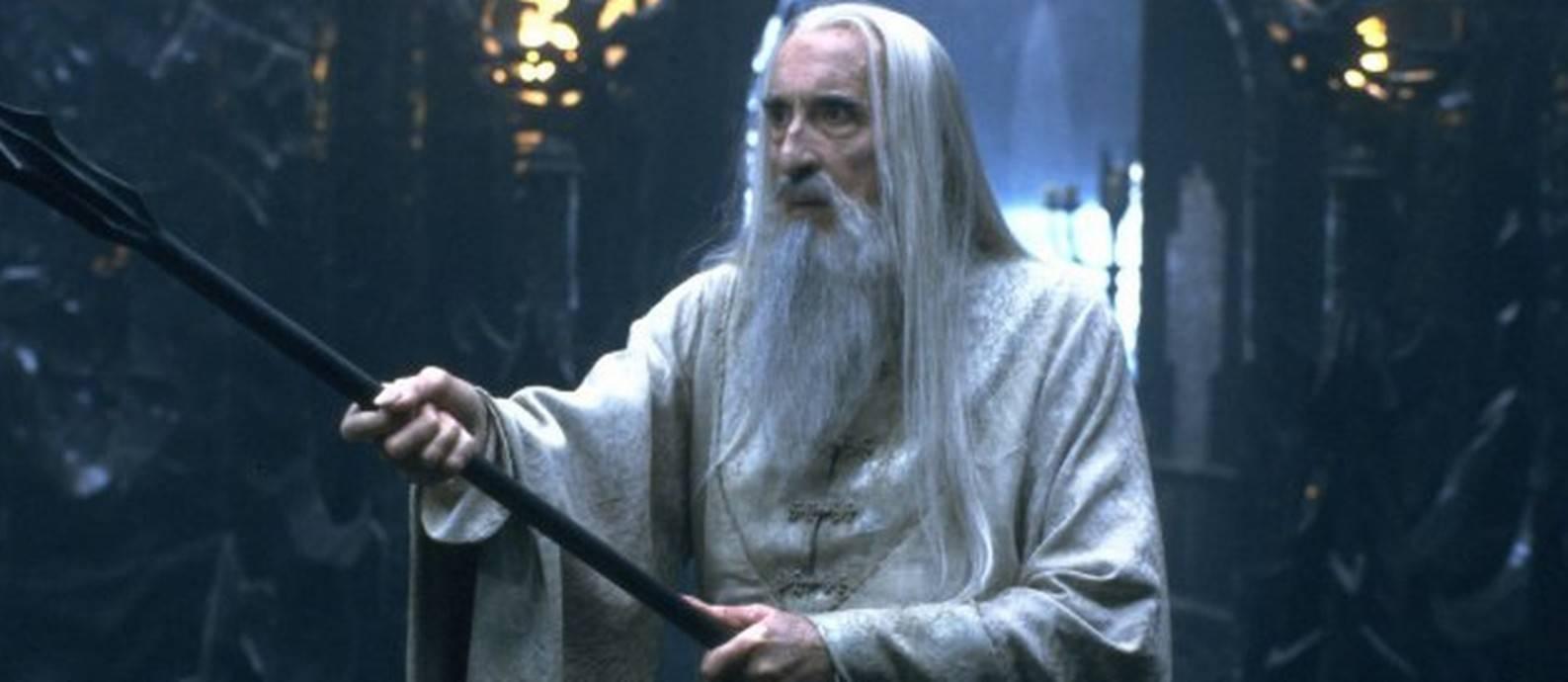Christopher Lee como Saruman em O Senhor dos Anéis (Reprodução)