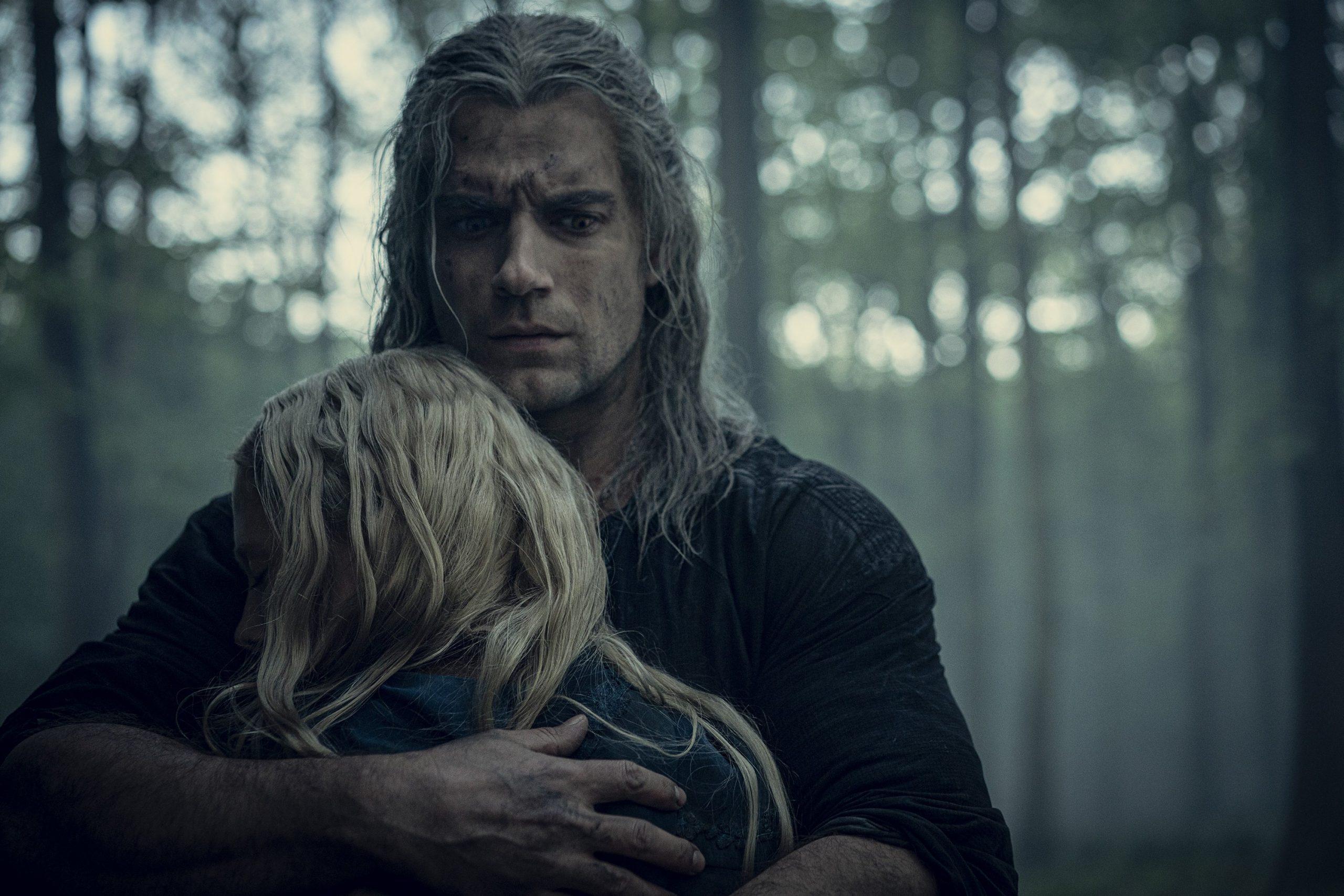 Geralt (Henry Cavill) e Ciri (Freya Alan) em The Witcher