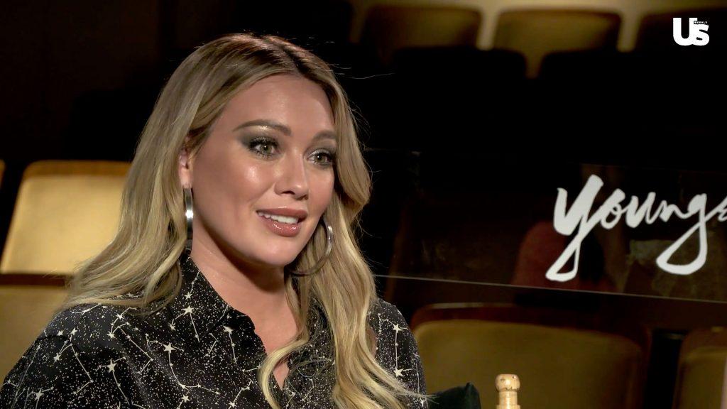 Hilary Duff em coletiva da série Younger