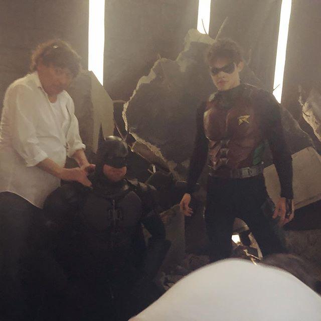 Imagem de Titãs revela cena de Batman