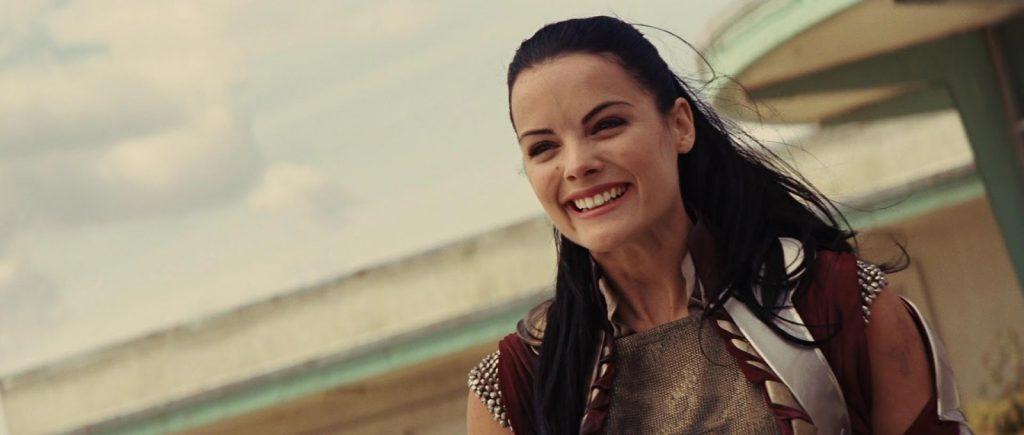 Jaimie Alexander como Lady Sif em Thor (Reprodução)