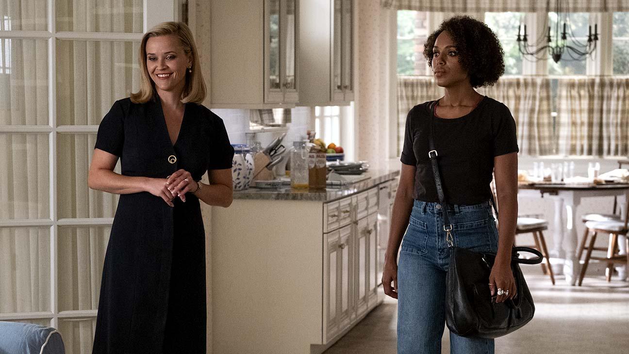 Elena (Reese Witherspoon) e Mia (Kerry Washington) em Little Fires Everywhere