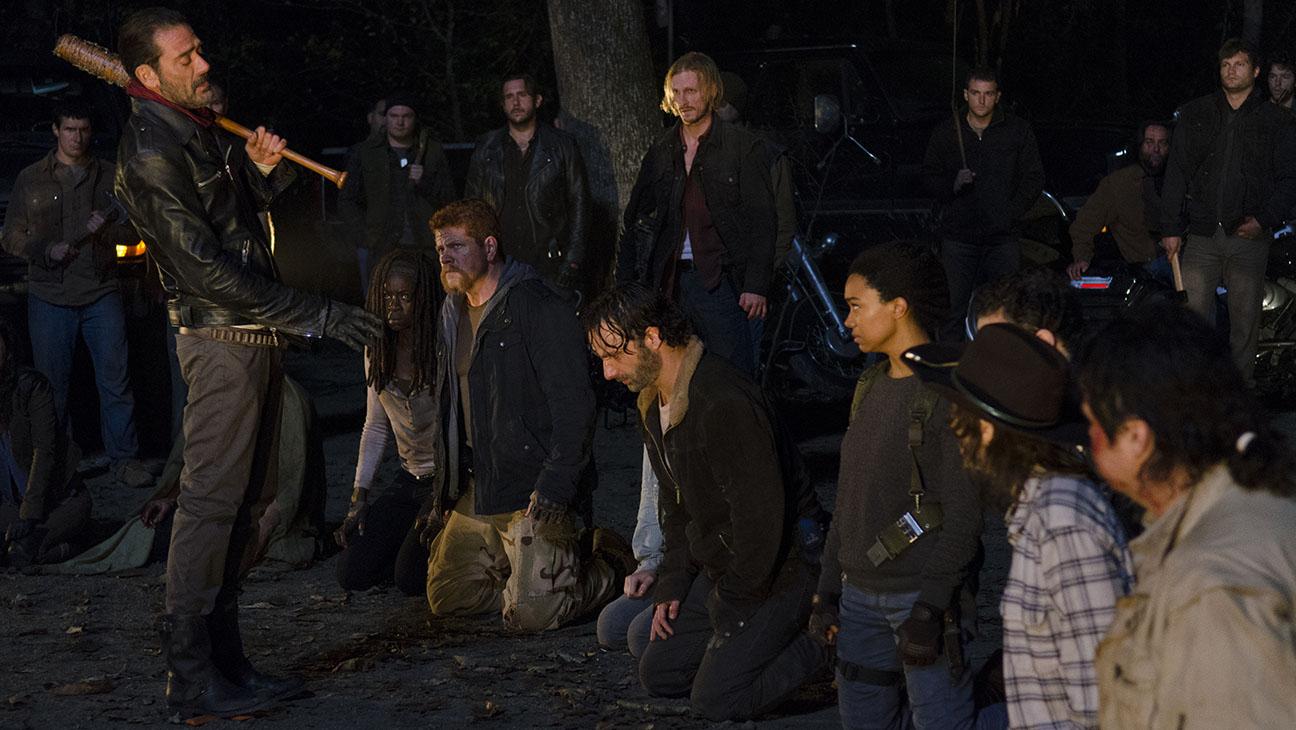 Negan (Jeffrey Dean Morgan) promove massacre em The Walking Dead