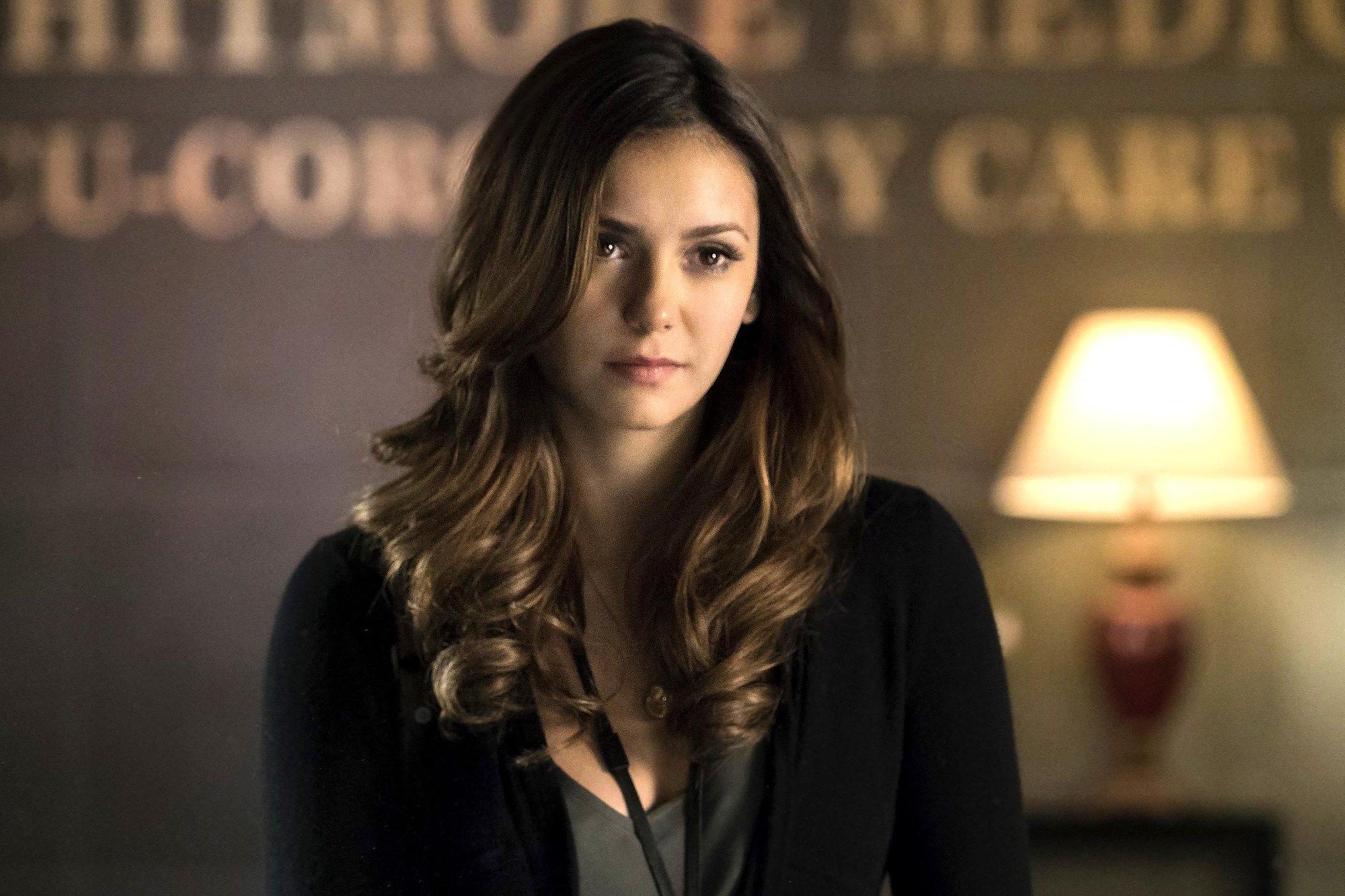 Nina Dobrev, Elena em The Vampire Diaries