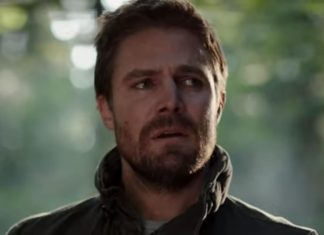 Oliver Queen (Stephen Amell) em Arrow