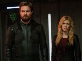 Oliver e Mia no Crossover de Crise nas Infinitas Terras