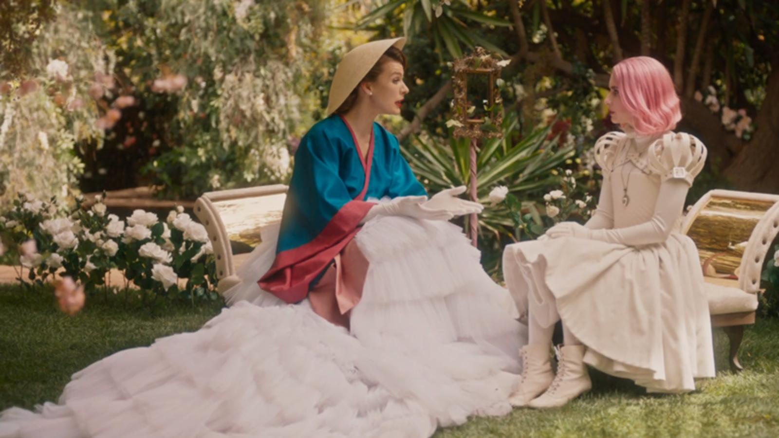 Confira O Trailer De Paradise Hills Com Emma Roberts E Milla