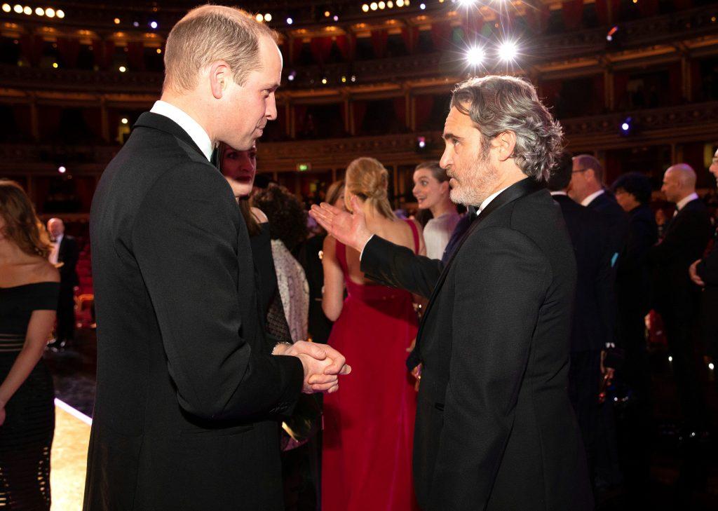 Príncipe William e Joaquin Phoenix no BAFTA Awards