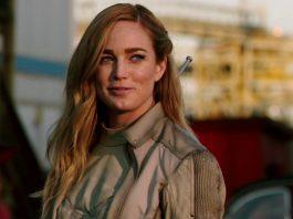 Sara Lance (Caity Lotz) em DC Legends Of Tomorrow