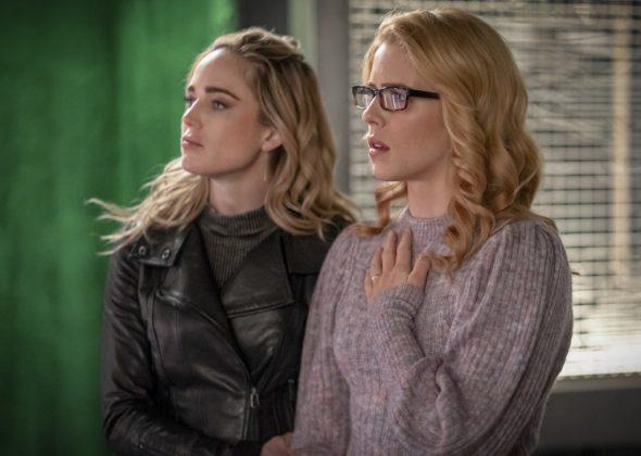 Sara e Felicity em Arrow