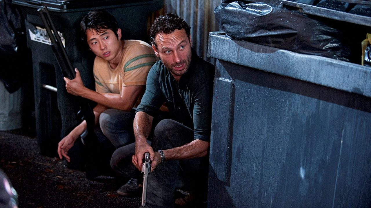 Steven Yeun e Andrew Lincoln em The Walking Dead