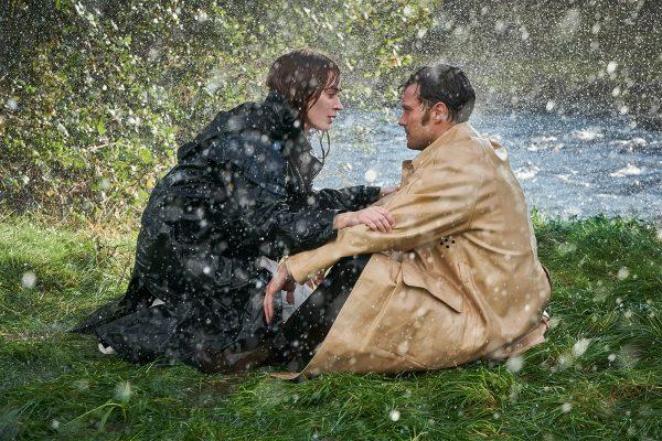 Veja Emily Blunt e Jamie Dornan na primeira foto de Wild Mountain Thyme