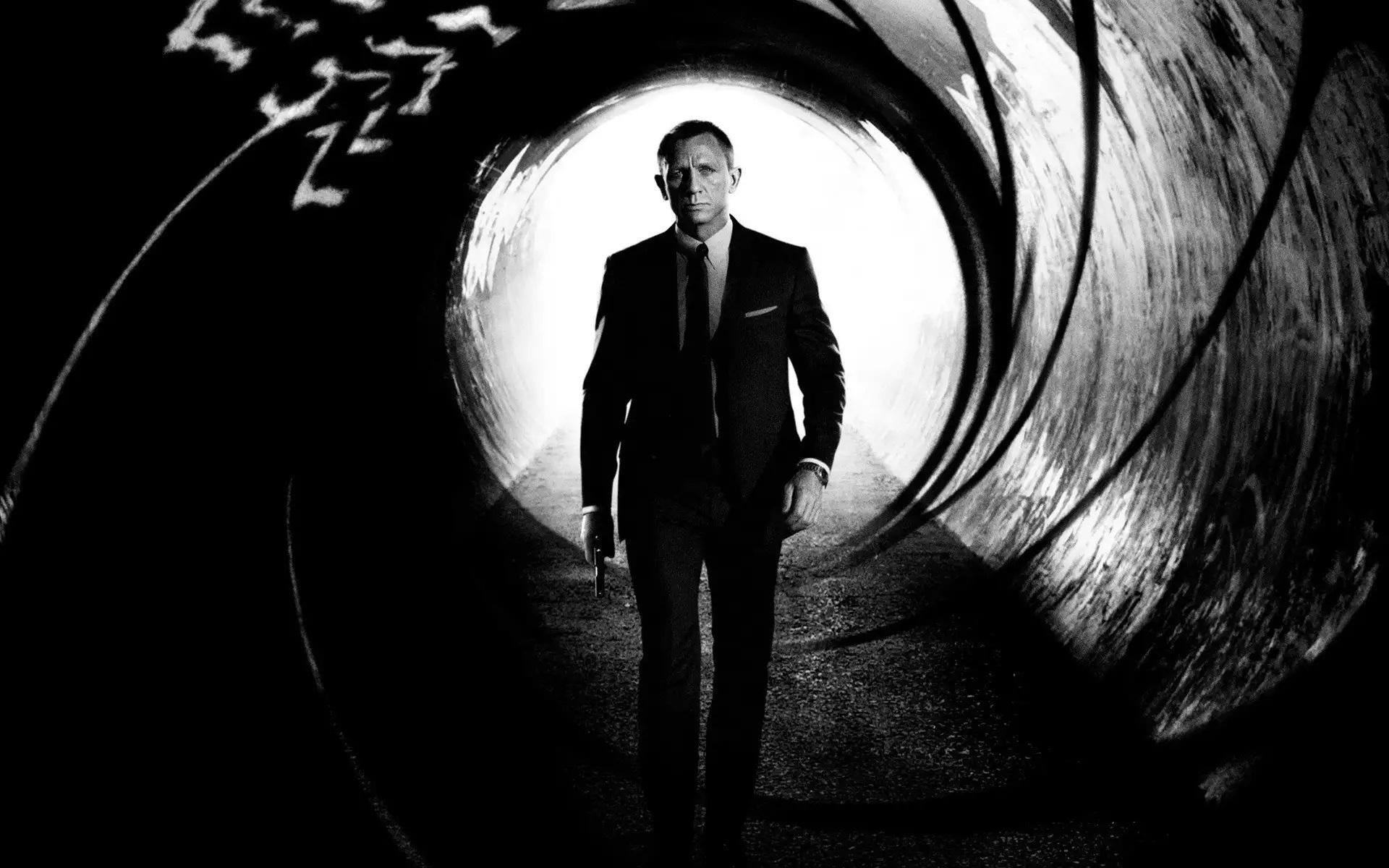 Daniel Craig volta a viver o agente secreto mais famoso do mundo em Bond 25 (Reprodução)