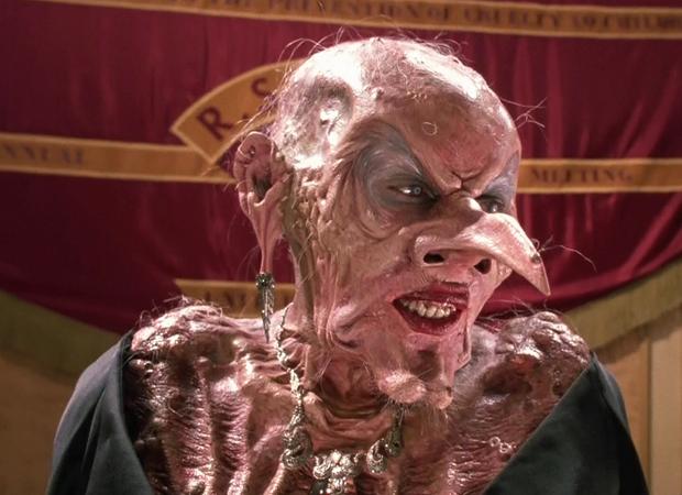Anjelica Huston caracterizada para a versão original de Convenção das Bruxas (Imagem: Reprodução)