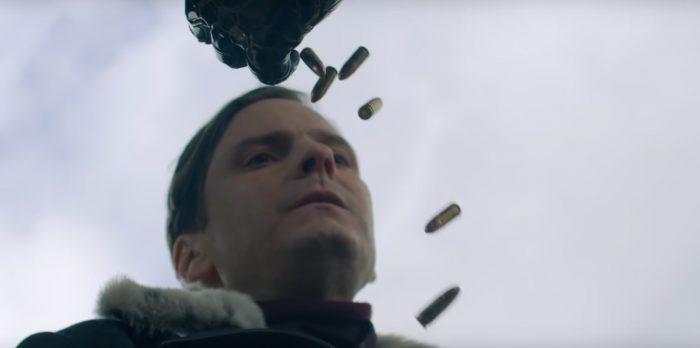 Soldado Invernal quase atirando em Zemo
