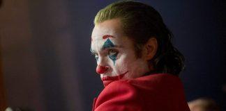Joaquin Phoenix como Coringa nos cinemas (Reprodução)