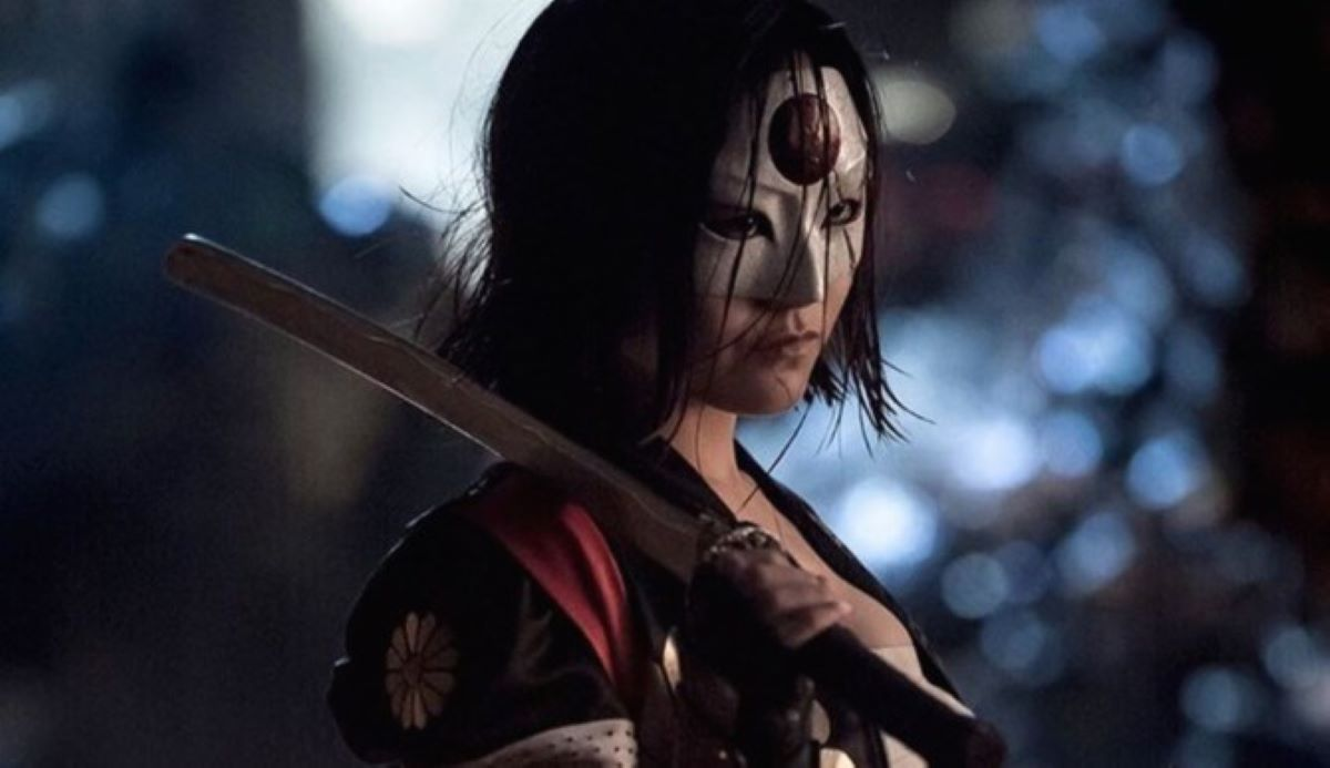 Karen Fukuhara como Katana em Esquadrão Suicida (Reprodução)
